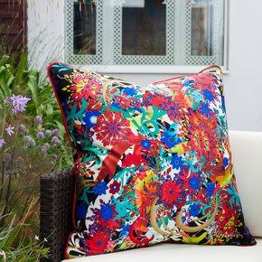 Von-Trapp_Vintage-Cushions_Treniq_0