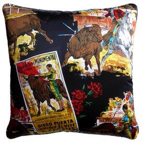 Plaza-De-Toros-Monumental_Vintage-Cushions_Treniq_1