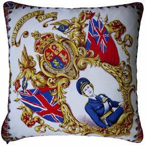 Elizabeth-11-1953-_Vintage-Cushions_Treniq_0