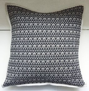 Black-White-Reversible-Jacquard-Cushion-Cover_Anokha-Collection_Treniq_0