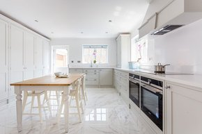 Grey-Shaker-Kitchen-No.1_Tom-Jones-Marquez_Treniq_0