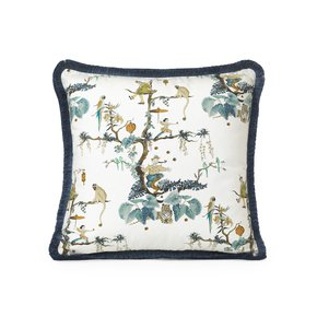 Juggler-Delightfully-Elegant-Cushion_Ailanto-Design-By-Amanda-Ferragamo_Treniq_0