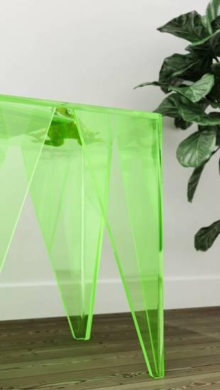 Pli transparent colour plexi madea milano treniq 1 1534227387097