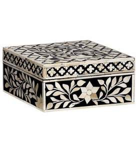 Imperial Beauty Square Box in Black and White