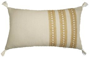 Trini Trim Pillow Lace