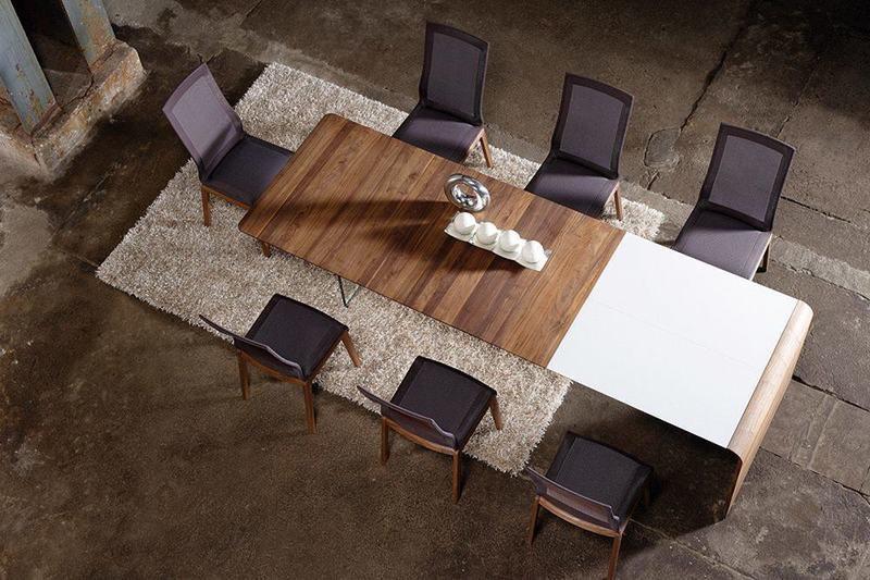 Table design en noyer 61