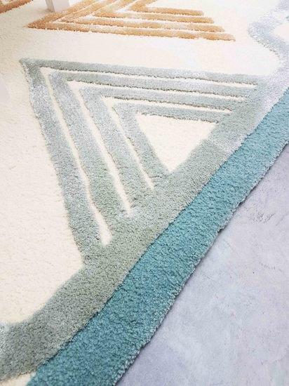 Detail 3 rug tapis frankee martin schiller design studio