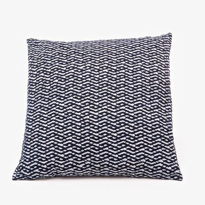 Lattice-Lines-Pattern-Cushion-(M)_Bluehanded-Ltd_Treniq_0