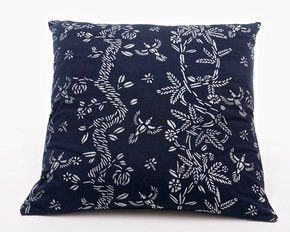 Birds-And-Bees-Pattern-Cushion-(L)_Bluehanded-Ltd_Treniq_0
