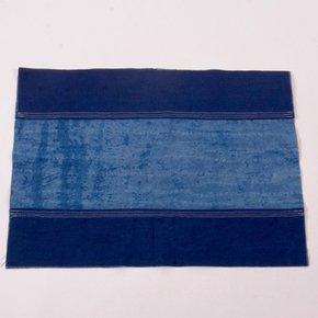 Lattice-Lines-Pattern-Place-Mat_Bluehanded-Ltd_Treniq_0