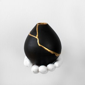 Small-Ronda-Vase-Black_Ayadee_Treniq_0