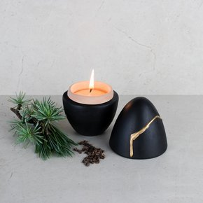 "Beeswax-Small-Scented-Candle-""Cabin-Woods""-Black_Ayadee_Treniq_0"