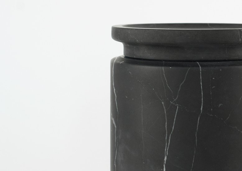 Pyxis black marquinia medium mmairo  treniq 6 1539671293249