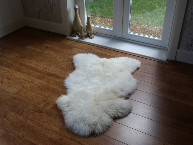 Sheepskin rug natural single