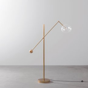 Brass-Milan-1-Arm-Floor-Lamp_Schwung-Home_Treniq_0