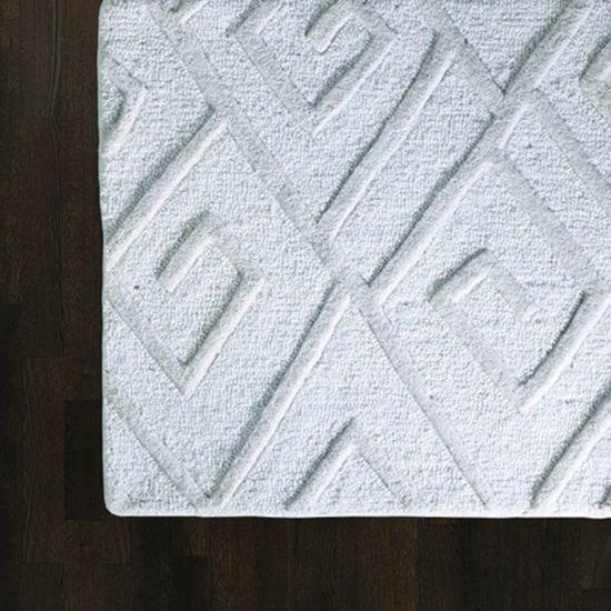 9.91974  maze rug ivory 6' x 9'