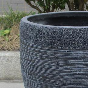 Ribbed Black Light Concrete Vase Planter74700