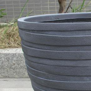 Row Stone Grey Light Concrete Egg Planter74742