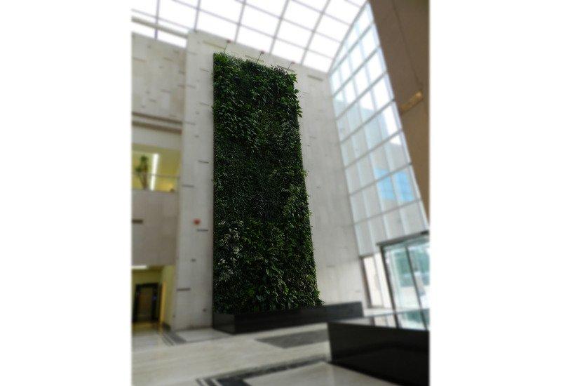 Indoor vertical gardens big realizations panel sundar italia treniq 2