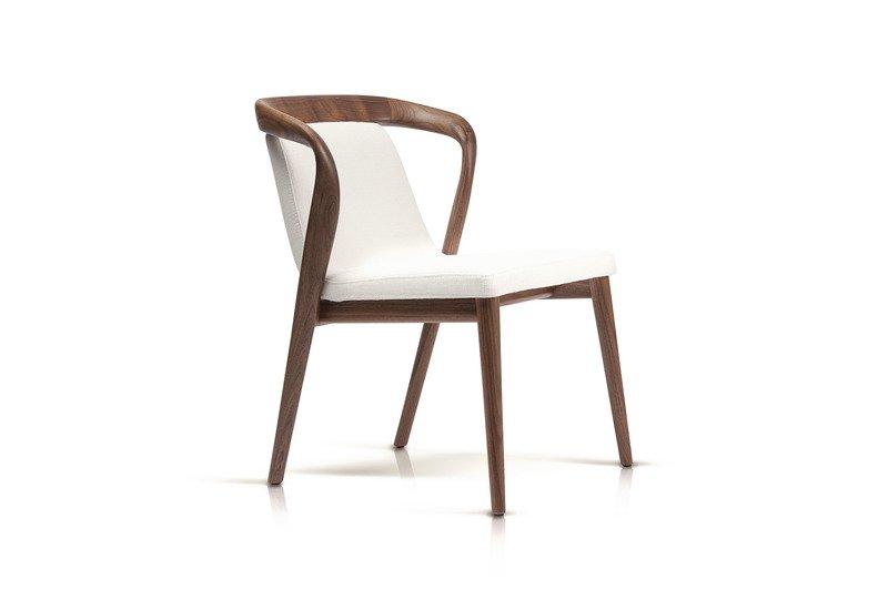 Feat chair enne treniq 1