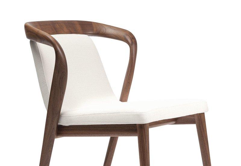 Feat chair enne treniq 2