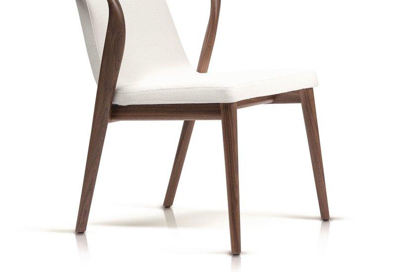 Feat chair enne treniq 3