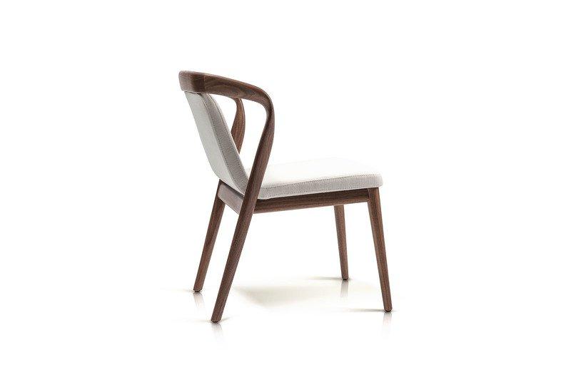 Feat chair enne treniq 4