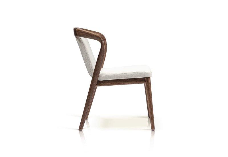 Feat chair enne treniq 5