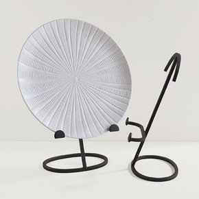 Oval Shape Iron Plate Stand-Lg