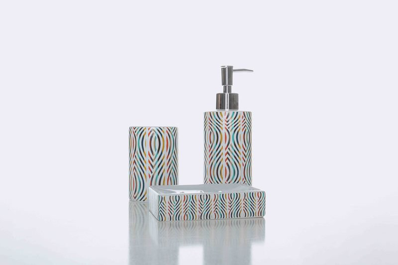 Geo bath accessories