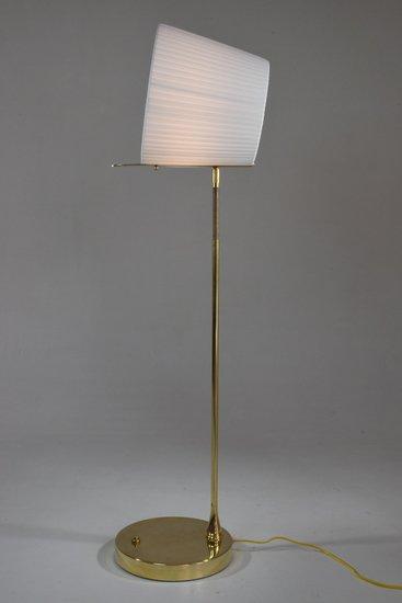 Infinitus i contemporary brass table lamp jonathan amar studio treniq 1 1561734618734