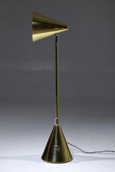Evolution i contemporary brass table lamp jonathan amar studio treniq 1 1561975634717