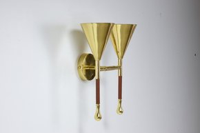 Ancora-Iv-Contemporary-Brass-Wall-Light_Jonathan-Amar-Studio_Treniq_0