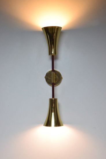Ancora v contemporary brass wall light jonathan amar studio treniq 1 1562078826045