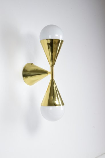 Ancora viii contemporary brass wall light jonathan amar studio treniq 1 1562084254928