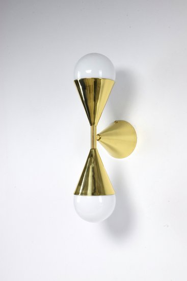 Ancora viii contemporary brass wall light jonathan amar studio treniq 1 1562084254927