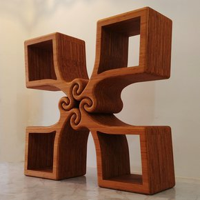 """Grip""-Console-Table-/-Display-/-Sculptural-Object-_Jan-Paul_Treniq_0"