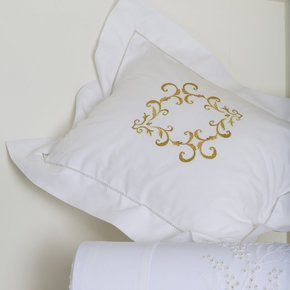 Hand Embroidered Bed Linen: Pamela