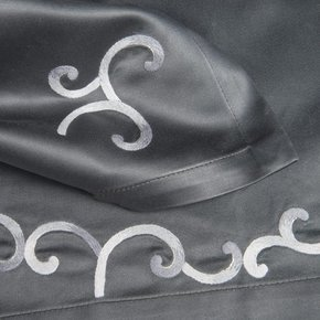 Table Linen Hand Embroidered: Entrelace