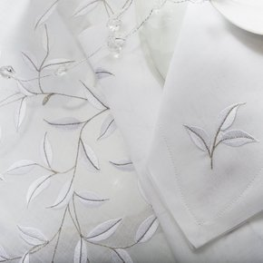 Table Linen Hand Embroidered: Madeira