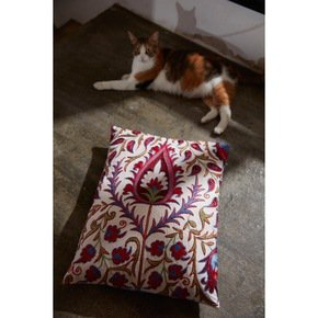 Hagia-Sophia-Istanbul-Suzani-Cushion-Double-Sided-With-Ikat_Heritage-Geneva_Treniq_0