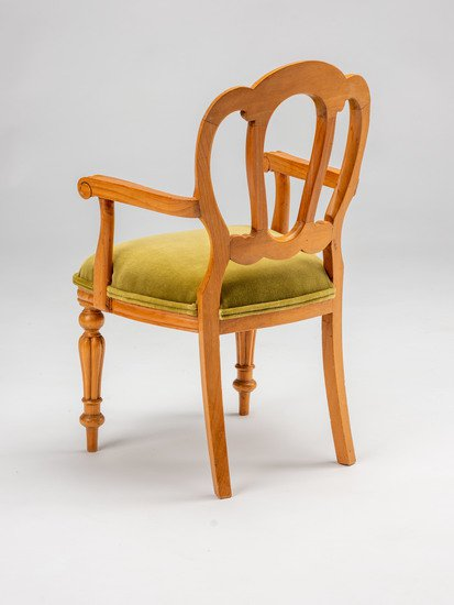 Extremely rare and delightful child's size vintage salesman sample chair. rhubarbchairs treniq 1 1575487907181