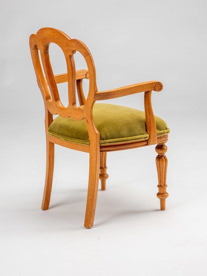 Extremely rare and delightful child's size vintage salesman sample chair. rhubarbchairs treniq 10 1575488201485