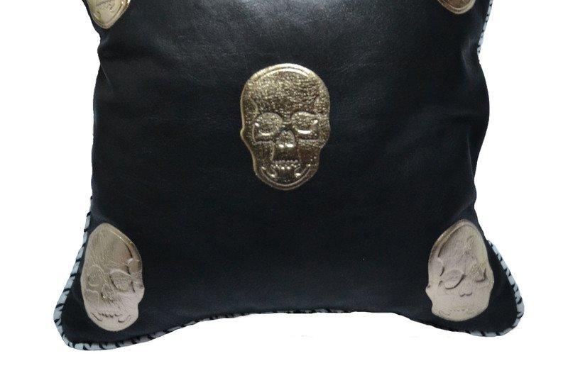 Skull cushion goshhh treniq 3