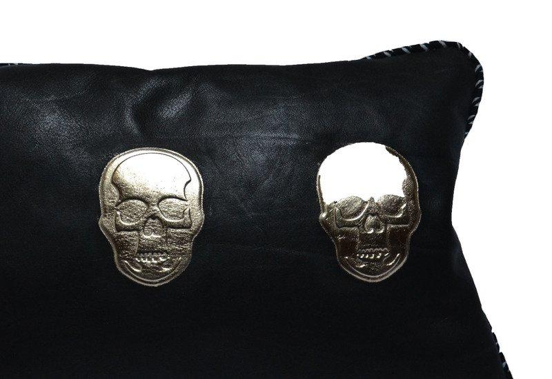 Skull cushion goshhh treniq 2