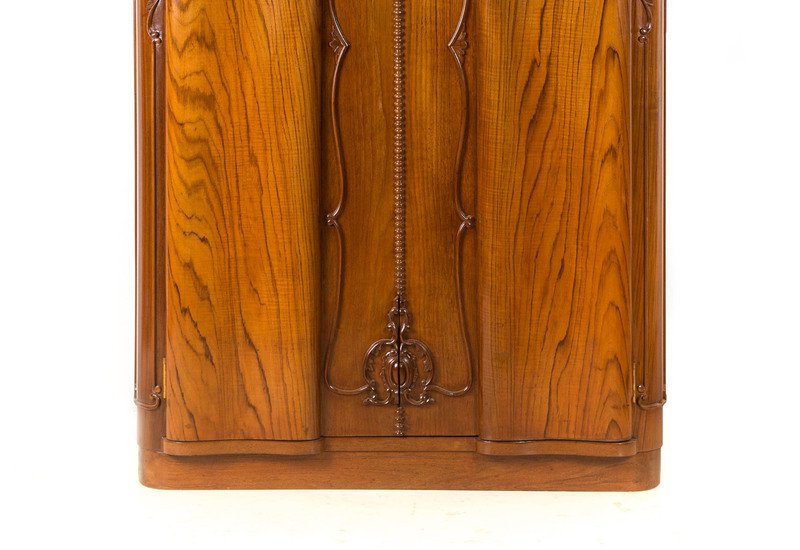 Teak wood cabinet i anemos treniq 3