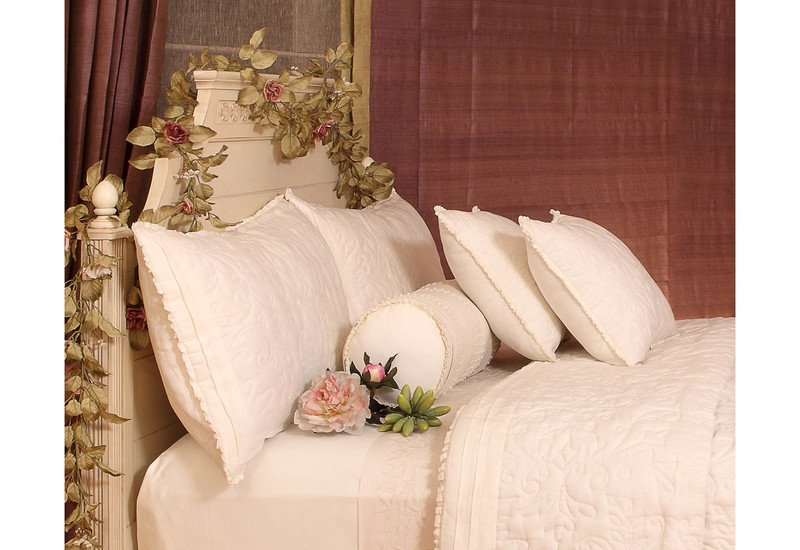Worthy glory bedding la kairos treniq 4
