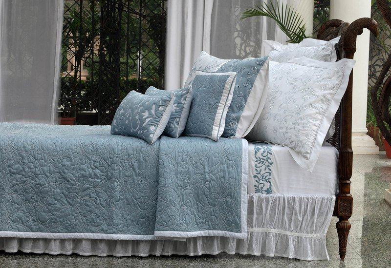 Yours truly bedding la kairos treniq 2