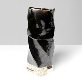 Definitely Ceramics Black - Jongjin Park - Treniq