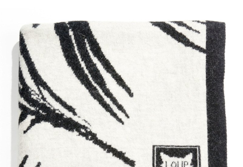 Plaid zebra throw loup maison treniq 2